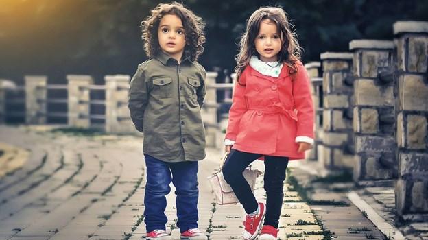 ef6bf296b8a7 Find børnetøj online – billigt og nemt