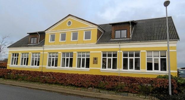 Den statelige gamle skole i Børglum danner ramme om mange lokale aktiviteter. Arkivfoto