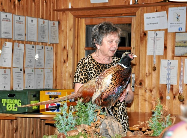 Traditionen tro diskede Bodil Hvolgaard og hendes hjælpere op med en overdådig vildtbuffet. Privatfoto privatfoto