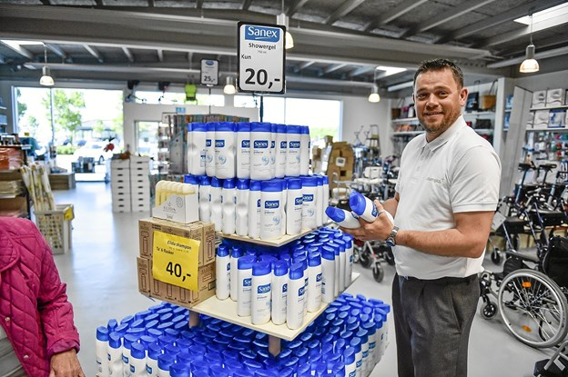 Ole Skovsgaard glæder sig til at drive og udvikle Lagersalg. Blandt andet med intensiv jagt på restlagre af gode varer, som sælges til kunderne til rigtig gode priser.Foto: Ole Iversen