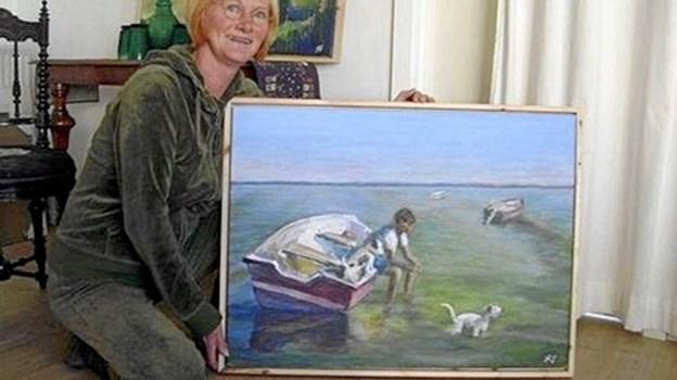 Lørdag og søndag er Gjøl Kro ramme om en større kunstudstilling, der har Limfjorden som tema. Her er det Birgitte Sandsgaard. Privatfoto