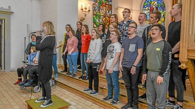Rigtig glade børn fra Limfjordsskolens Kor i Løgstør var også med. Foto: Mogens Lynge Mogens Lynge