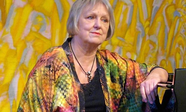 Gunhild Donslund - akkompagnerer Jens Bové i en række kendte operaarier. PR-foto