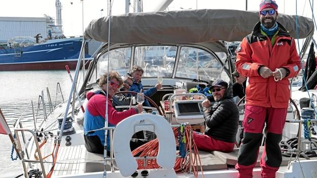 Det var en glad besætning her på en af de deltagende sejlbåde der nåede Skagen. Foto: Peter Jørgensen Peter Jørgensen