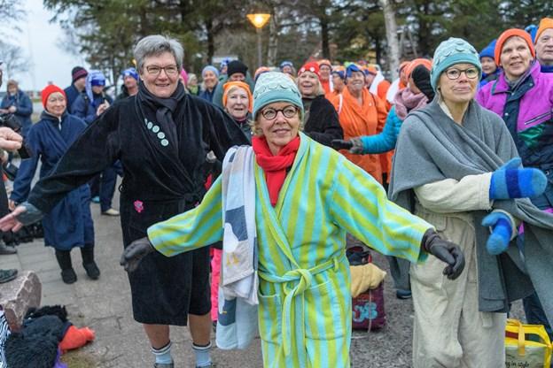Formanden for Vinterbaderfestivalen i Skagen Mette Hust oplyser, at de 350 billetter var solgt på få timer. Foto: Peter Broen. Peter Broen