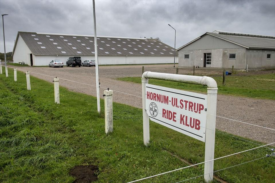 Det er i her hos Hornum Ulstrup Rideklub, der er brand. Arkivfoto: Lars Pauli