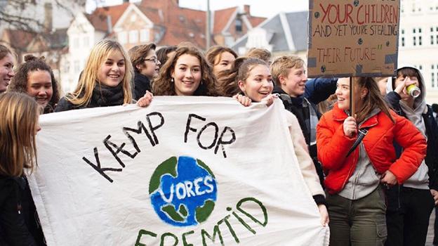 Over hele verden bliver der fredag demonstreret til fordel for klimaet. PR-foto