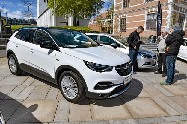 Thybo BIler havde blandt andet denne hvide Opel Grandland SUV med. Foto: Ole Iversen Ole Iversen