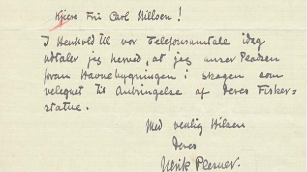 """Plesners betydning som rådgiver ved byggerier og byplanlægning kan vanskeligt undervurderes. Skagen kommune konsulterede ham jævnligt, og da Anne Marie Carl-Nielsen i 1930'erne skulle opstille den famøse fiskerstatue foran havnemesterboligen, blev Plesner også spurgt. Han svarede: """"I henhold til vor telefonsamtale i dag udtaler jeg hermed, at jeg anser pladsen foran Havnebygnngen i Skagen som velegnet til anbringelse af deres fiskerstatue."""" LOKALHISTORISK ARKIV SKAGEN"""