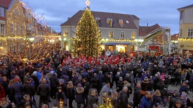 Sang og juleunderholdning ....