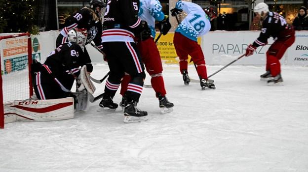 Lørdag er der atter ishockeykamp i Blokhus.Arkivfoto: Flemming Dahl Jensen