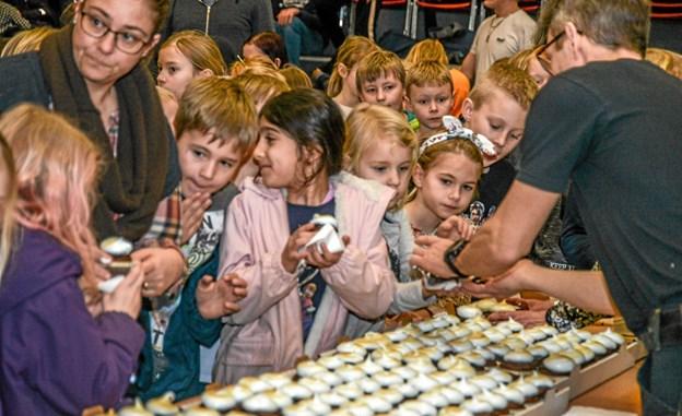 Og så var der kage og juice til alle, som afslutning på en sjov uge på Løgstør Skole. Mogens Lynge