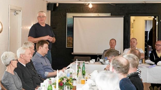 Formand Finn Besser fremlagde beretning for de små 40 fremmødte. Foto: Allan Mortensen Allan Mortensen