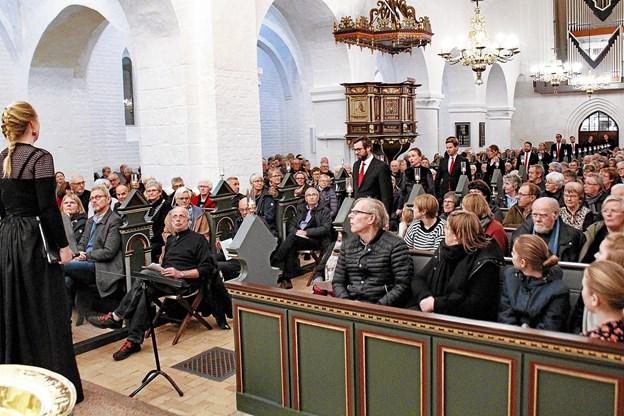 Vestervig Kirke fyldt til sidste plads ved tirsdagens julekoncert. Foto: Trine Hausgaard Ubbesen