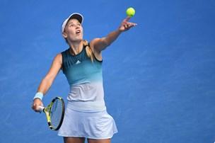 Skarp Sharapova slår Wozniacki ud af Australian Open