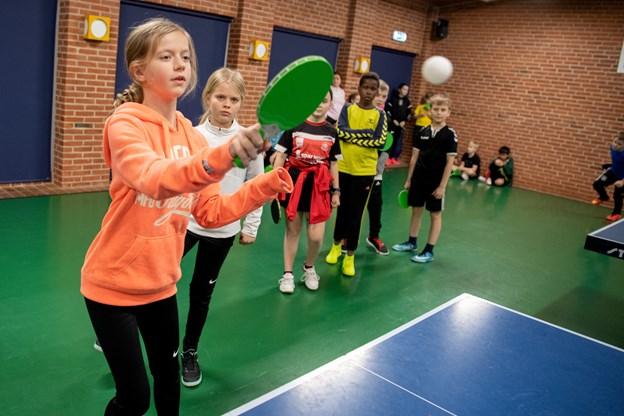 Dagen bød blandt andet på flere konkurrencer, hvor klasserne dystede mod hinanden, og der var også en bordtennisturnering for de 70 børn fra Hedegårdsskolen.