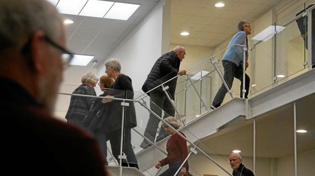 Deltagerne blev delt i tre hold, så der var en del trafik op og ned af trapperne i løbet af aftenen.