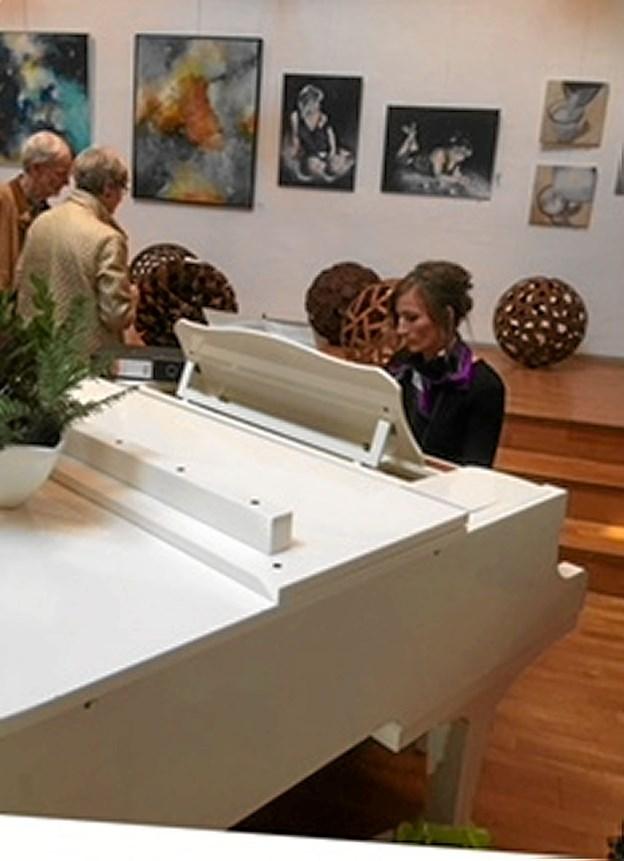 Ligesom sidste år kan der opleves kunst på Ingstrup Efterskole. Foto: Birgitte Poulsen