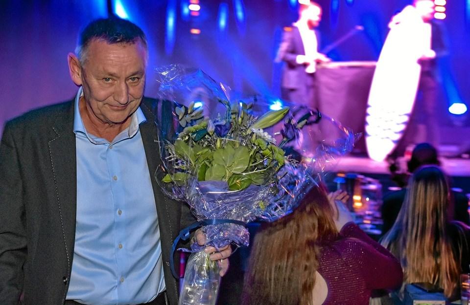 Ole Jørgensen, afgået leder af Fritidsforvaltningen i Thisted Kommune, fik en særlig hyldest, før han begynder nyt jo som projektleder af det kommende projekt med Thyhallen og Center for Sundhed. Foto: Ole Iversen Ole Iversen