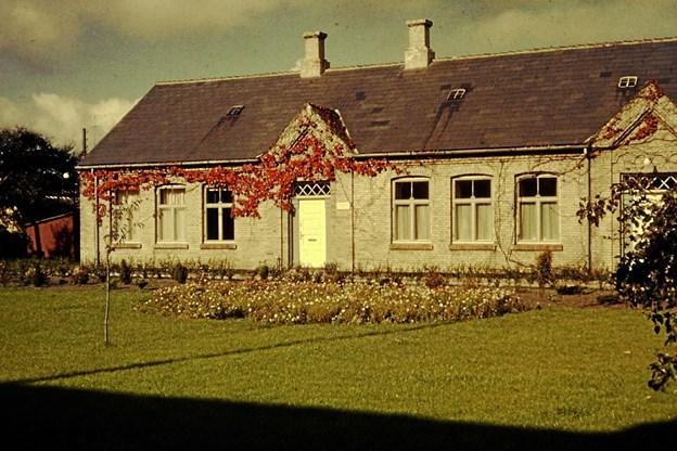 Realskolen rummede biblioteket fra 1920 til 1962. Her var der også køkkenskole og politistation, så pladsen var trang. LOKALHISTORISK ARKIV SKAGEN