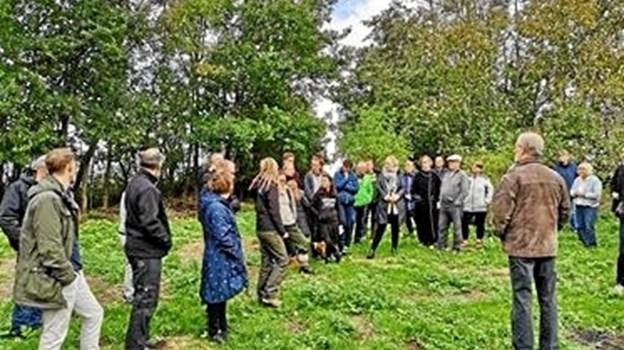 Mange mødte op for at se skovhaven. Privatfoto