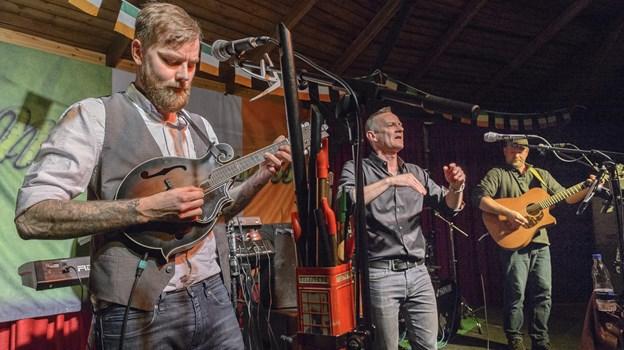 McGuinness levere vellyd med irsk og skotsk folkemusik 12. april. Arkivfoto: Peter Broen Peter Broen