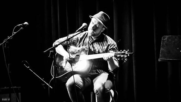 HiFi Klubben inviterer til koncert i mørke med artisten Jens Jepsen. PR-foto