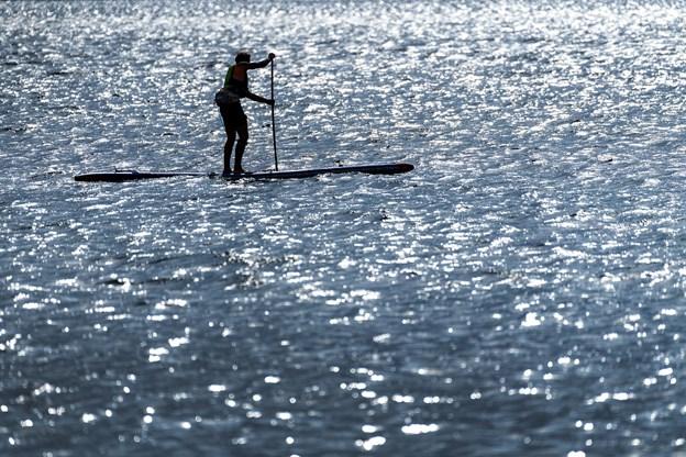 Når man først har fundet den gode rytme, så glider man bare knivskarpt igennem vandet.