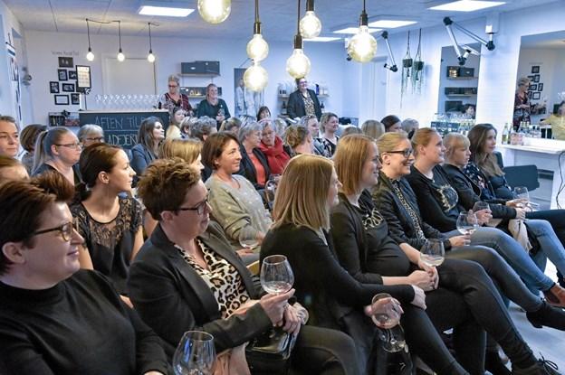 Trods 35 siddende gæster, var der stadig god plads i salon Kvali:Tid. Foto: Ole Iversen Ole Iversen