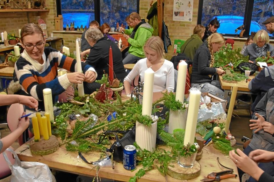 Der blev produceret et større antal juledekorationer. Privatfoto