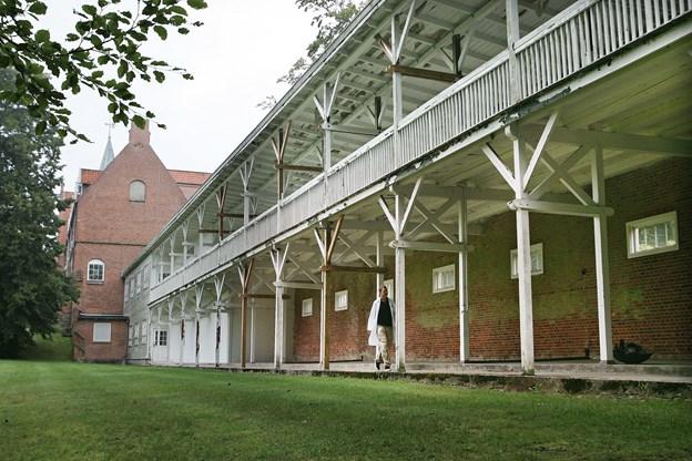 Efter vandreturen serverer Bogby 9520 kaffe og hjemmebag her i Skørping Hospitals gamle liggehal fra sanatorietiden. Arkivfoto: Grete Dahl