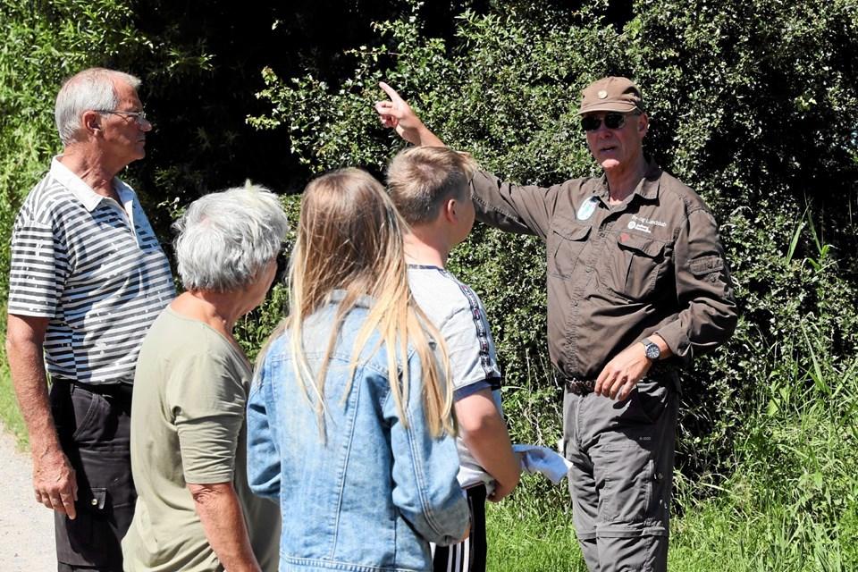 Naturvejleder Ole B. Henriksen guidede deltagerne gennem arrangementet. Foto: Allan Mortensen Allan Mortensen