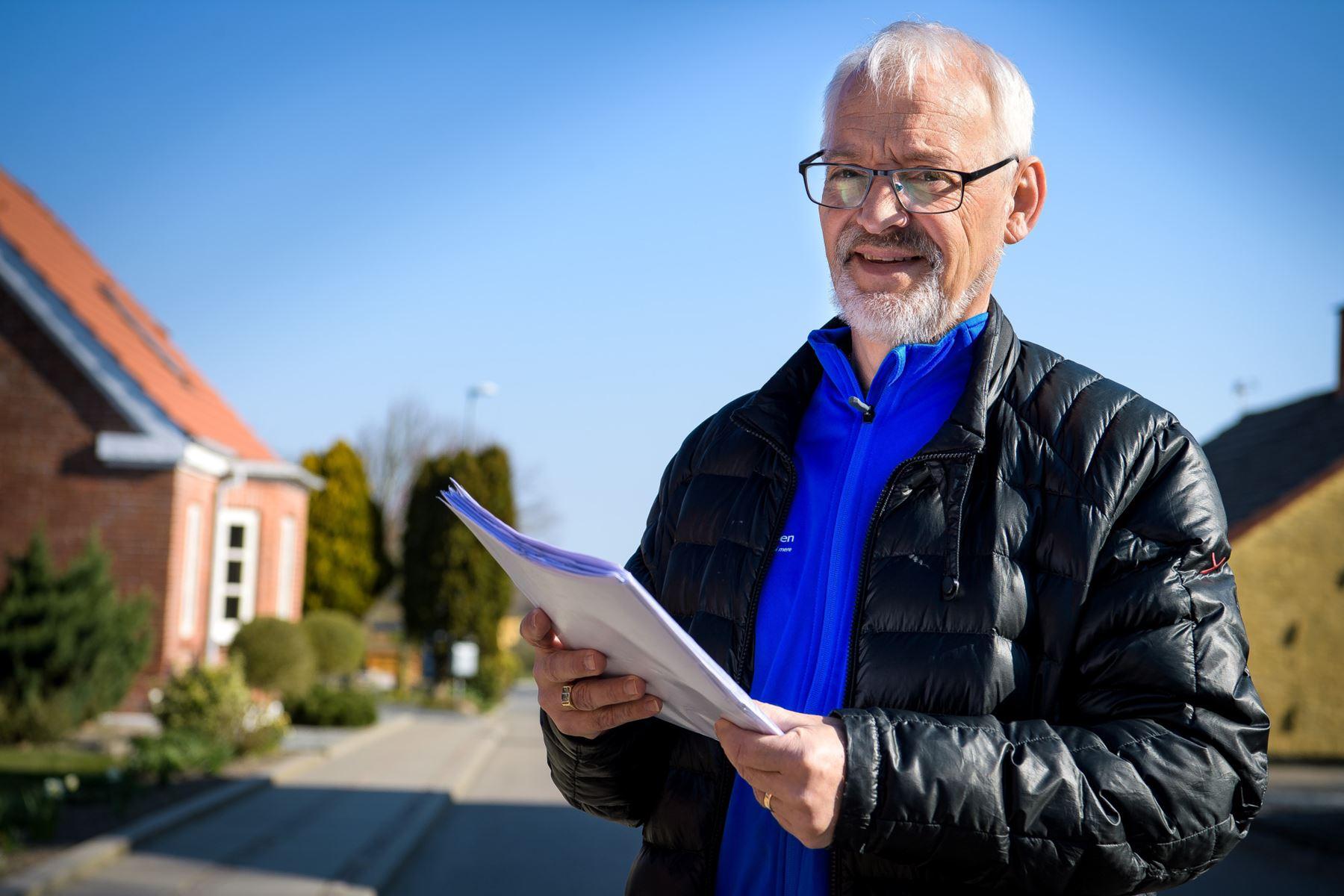 Anders Vestergård har stemt dørklokker i hele Koldby for at hverve flere frivillige til byens mange aktiviteter