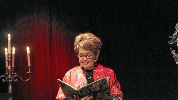 """Ghita Nørby læste op af H. C. Andersens eventyr, bl.a. """"Grantræet"""", """"Den lille pige med svovlstikkerne"""" og """"Nattergalen"""". Foto: Hans B. Henriksen Hans B. Henriksen"""