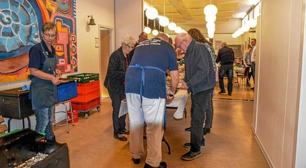 Et lækkert ta' selv bord fra Pølsemanden fra Aggersund til alle inden generalforsamlingen. Foto: Mogens Lynge Mogens Lynge