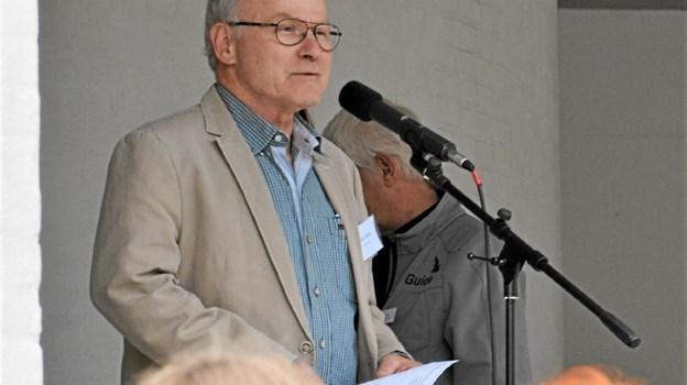 Niels Moes, ejer af Thingbæk Kalkminer/Rebildcentret bød velkommen. Foto: Jesper Bøss Jesper Bøss