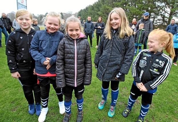 De yngste spillere var i den grad klar til at komme i gang med spillet. De kunne næsten ikke vente. Foto: Jørgen Ingvardsen Jørgen Ingvardsen