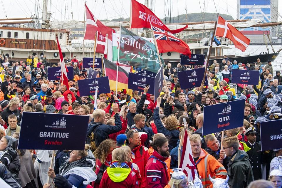 Omkring 1800 besætningsmedlemmer forsætter festen torsdag aften ved Crew Party i Nordkraft.  Foto: Henrik Bo