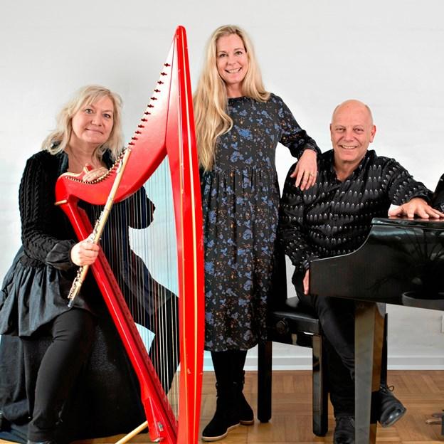Den Unikke Trio, som består af fløjtenisten Tine Lilholt, Tina Siel og pianist Knud-Erik Thrane. PR-foto