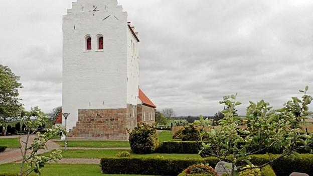 Turen gik også til den historiske Tømmerby Kirke, der blev bygget i årene 1130 - 1140. Foto: Niels Helver Niels Helver