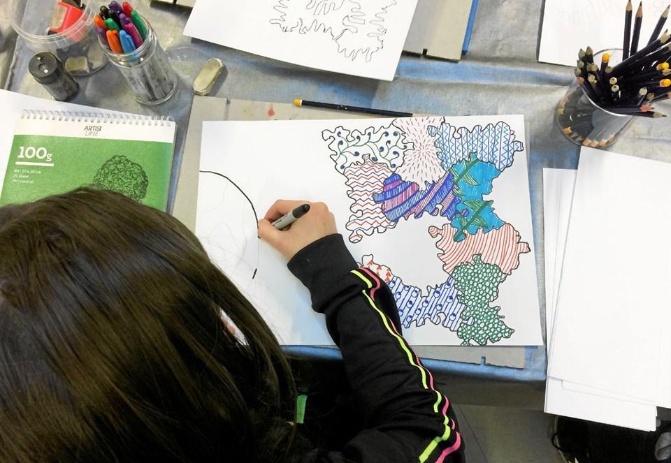 Tegnehold for børn begynder igen 22. januar. Foto: Frederikshavn Bibliotek Sisse
