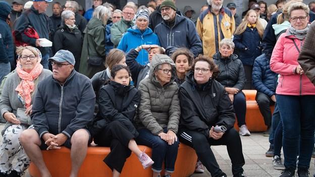 Trods ringe sommervejr torsdag var der alligevel godt med mennesker på torvet i Blokhus. ? Foto: Hans Ravn Hans Ravn