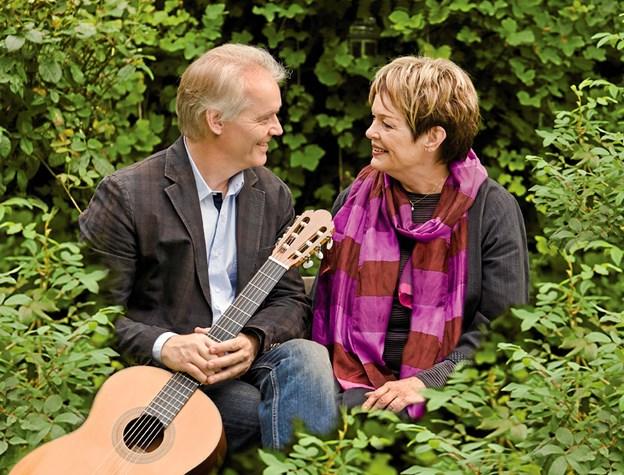 Lars Hannibal og Ghita Nørby - mangeårige venner - optræder sammen tirsdag 18. september i Hadsund Kulturcenter. Pr-foto