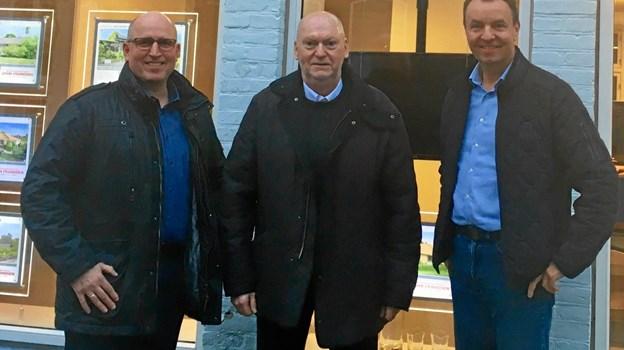 Jørgen Steve (i midten) og det øvrige Hadsund-team, Palle Nielsen (tv) og Tom Madsen er klar til at åbne afdelingen i Øster Hurup først i februar. Foto: Privat.