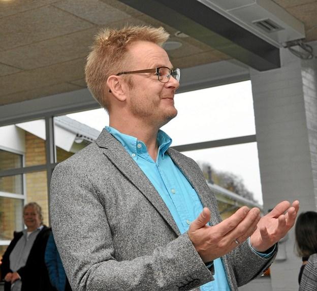 Efterskoleleder Thomas Wind Eskildsen var ualmindelig glad for de nye faciliteter, og det gav han da også udtryk for i sin indvielsestale. Foto: Ole Torp