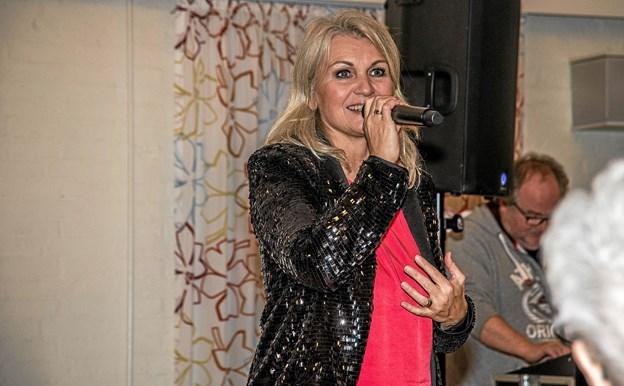 Gry - kendt fra rejehoppet, underholdt deltagerne med et alsidigt musikprogram. Foto: Mogens Lynge