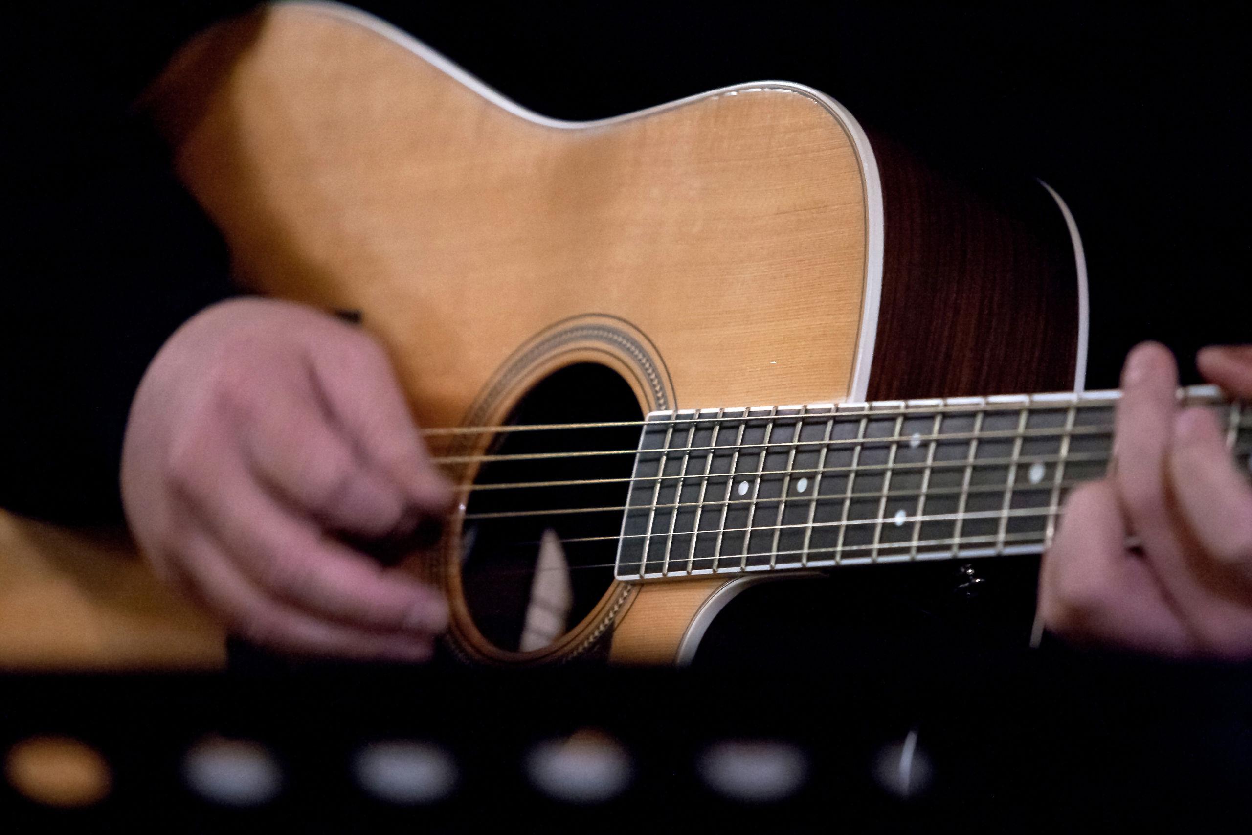 Der er Aalborg International Guitarfestival i denne uge og et hav af klassiske guitarister spiller koncert - bl.a. på søndag i Utzon. Arkivfoto: Bo Lehm