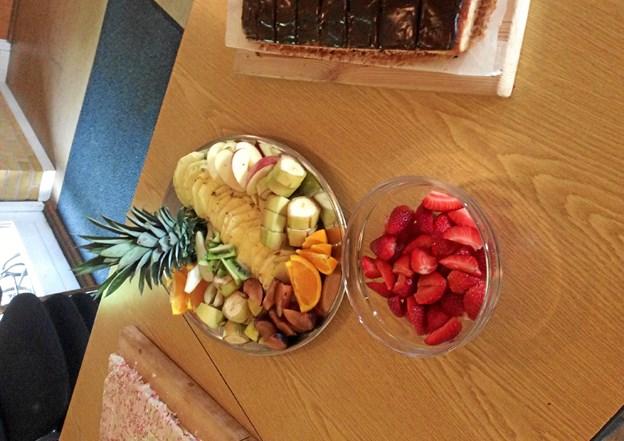 Et indbydende udbud af frugt til Dagplejens Dag hos Søstjernegruppen. Privatfoto Anette