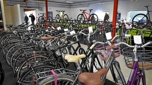 Der er stort overblik i den nye udgave af Østbyens Cykler og MC. Foto: Ole Iversen Ole Iversen