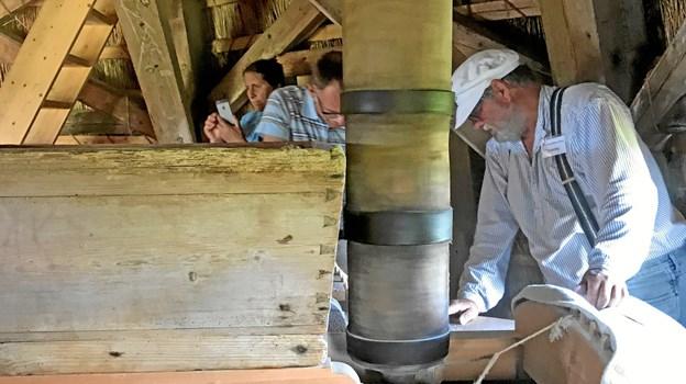 Søndag males der igen mel i Nordjyllands ældste vindmølle, når Havnø Møller er med til at fejre Dansk Mølledag 2019. Privatfoto